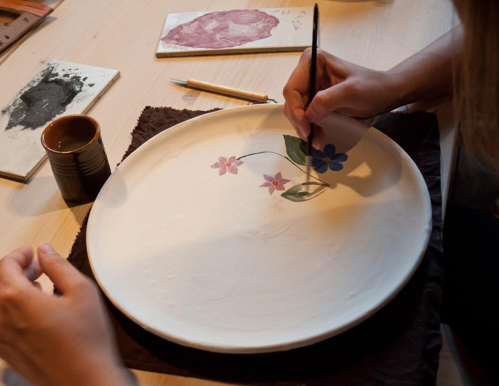 aprenda-a-pintar-porcelana-para-presentar-no-natal