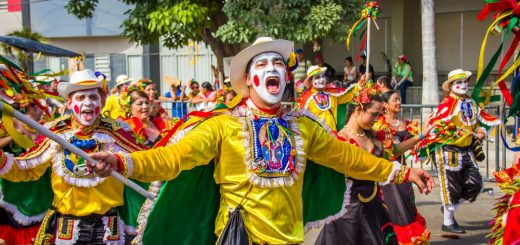 caia-na-folia-como-organizar-um-baile-de-carnaval